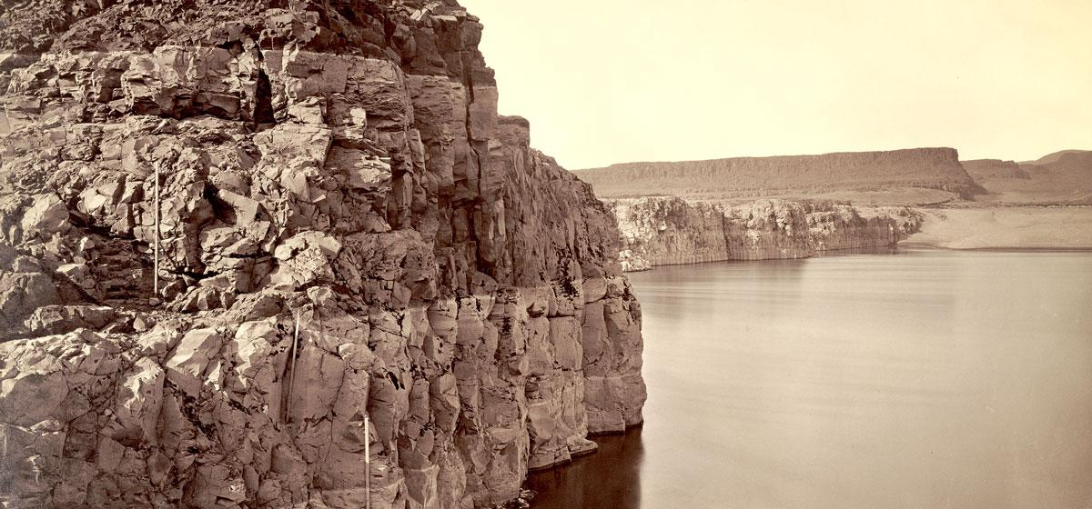 Carleton Watkins, The Dalles, Extremes of High & Low Water, 92 ft., Digital image courtesy of the Getty's Open Content Program.